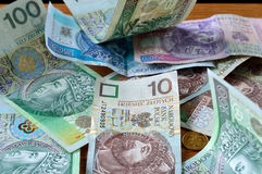 Pools geld op de lijst - zloty PLN. Stock Afbeelding
