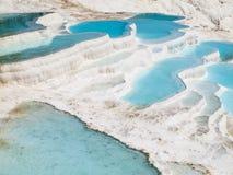 Pools van het Pamukkale de blauwe water Royalty-vrije Stock Foto