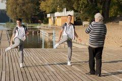 Poolse Discoband Jurad die tijdens het schieten van muziek videoklem werken Stock Foto