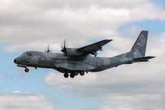Poolse Luchtmacht Sily Powietrzne CASA c-295M de tweelingvliegtuigen van de motor militaire lading Stock Afbeelding