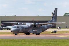 Poolse Luchtmacht Sily Powietrzne CASA c-295M de tweelingvliegtuigen van de motor militaire lading Royalty-vrije Stock Fotografie