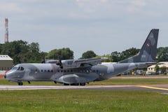 Poolse Luchtmacht Sily Powietrzne CASA c-295M de tweelingvliegtuigen van de motor militaire lading Royalty-vrije Stock Afbeelding