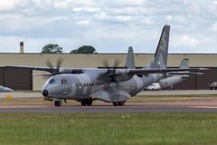 Poolse Luchtmacht Sily Powietrzne CASA c-295M de tweelingvliegtuigen van de motor militaire lading Stock Foto's