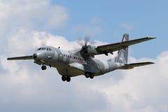 Poolse Luchtmacht Sily Powietrzne CASA c-295M de tweelingvliegtuigen van de motor militaire lading Stock Afbeeldingen