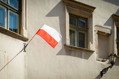 Poolse vlag in Krakau, Polen, Europa Stock Foto