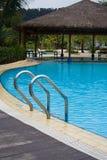Poolside à la ressource de Harris, île de Batam, Indonésie Photo stock