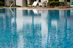 Poolside del Highrise Fotografia Stock