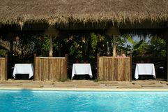 poolside dinning Images stock