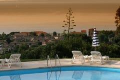 Poolside em le lavandou, riviera francês Imagem de Stock Royalty Free