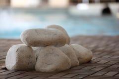Poolside en el balneario Foto de archivo libre de regalías
