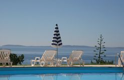 Poolside in le lavandou, Franse riviera Royalty-vrije Stock Foto