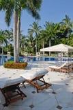 Poolside luxuoso Fotos de Stock Royalty Free