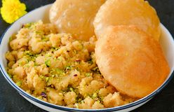 Poori and sooji halwa Royalty Free Stock Photography