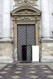Poort aan de kathedraal Royalty-vrije Stock Foto