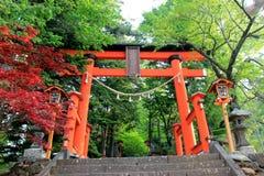 Poort aan trap van Chureito-Pagode, het Heiligdom van Arakura Sengen in Ja Stock Foto