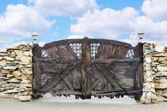 Poort gemaakte †‹â€ ‹van ruwe planken Stock Afbeeldingen
