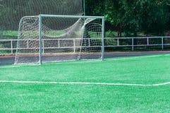 Poort op een voetbalgebied Stock Fotografie