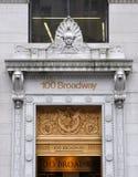 Poort van 100 Broadway, Manhattan, NYC Stock Afbeeldingen