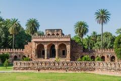 Poort van Isa Khan Niyazi Tomb in Humayun Tomb complex in Delhi, Ind. royalty-vrije stock fotografie