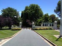 Poorten aan Overheidshuis, de HANDELING van Canberra, Australië stock foto