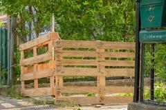 Poorten Houten pallets - Upcycling Stock Afbeelding