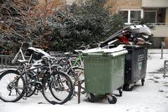 Pop afval het geen verwijderde gepaste o-weer van sneeuwdalingen royalty-vrije stock foto