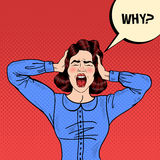 Pop Art Angry Frustrated Woman Screaming och innehavhuvud med den komiska anförandebubblan därför Arkivbild