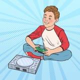 Pop Art Boy Playing Video Game Jong geitje met Controleconsole vector illustratie
