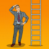 Pop Art Doubtful Businessman Looking Up bij Ladder stock illustratie