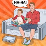 Pop Art Father och son som spelar videospelet på en modig konsol stock illustrationer