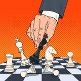 Pop Art Hand van Zakenman Holding Chess Figure stock illustratie