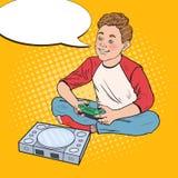 Pop Art Happy Boy Playing Video-Spel Jong geitje met Controleconsole vector illustratie