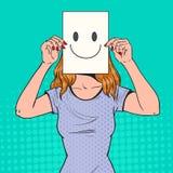 Pop Art Woman met Smiley Emoticon op Document Blad Gelukkig Meisje die een het Glimlachen Gezicht Emoticon houden royalty-vrije illustratie