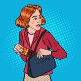 Pop Art Young Woman Stealing Food in Supermarkt Het winkeldiefstal plegen Kleptomanieconcept Royalty-vrije Illustratie