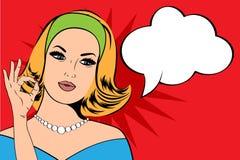 Pop-Arten-Illustration der Frau mit der Spracheblase Lizenzfreie Stockfotografie