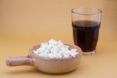 Pop corn in bowl and cola Royalty Free Stock Photos