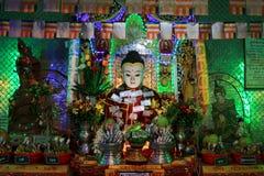 Popa Taungkalat Shrine Buddha Image, zet Popa, Myanmar op stock afbeeldingen