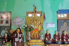 Popa Taungkalat Shrine Buddha Image, zet Popa, Myanmar op royalty-vrije stock foto