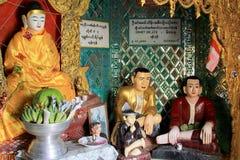 Popa Taungkalat Shrine Buddha Image, zet Popa, Myanmar op royalty-vrije stock fotografie