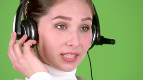Poparcie pracownik mówi klienci na słuchawki zielony ekran z bliska zbiory