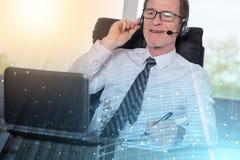 Poparcie telefonu operator w s?uchawki; wielosk?adnikowy ujawnienie zdjęcia royalty free