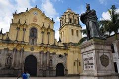 Площадь церков Сан-Франциско в Popayan, Колумбии стоковые фото