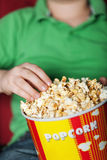Popcorn και κινηματογράφος Στοκ φωτογραφίες με δικαίωμα ελεύθερης χρήσης