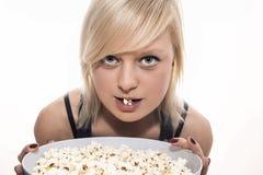 Popcorn κορίτσι Στοκ εικόνα με δικαίωμα ελεύθερης χρήσης