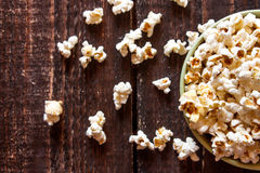 Popcorn σε ένα κύπελλο Στοκ εικόνες με δικαίωμα ελεύθερης χρήσης