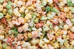 Popcorn colorato del dolce del fondo di struttura del popcorn Immagini Stock