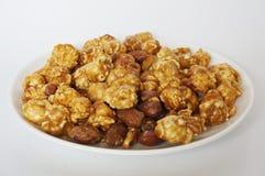 Popcorn del caramello immagini stock