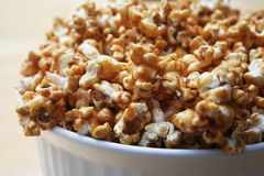 Popcorn della caramella Immagini Stock Libere da Diritti