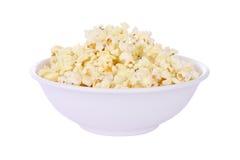 Popcorn in der runden Schüssel Lizenzfreie Stockfotos