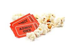 Popcorn e due biglietti Immagine Stock Libera da Diritti